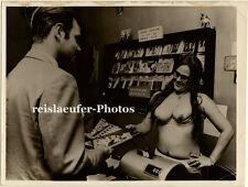 Orig.Photo Sex-Shop, Oben-ohne Service, Kopenhagen 1968