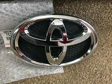 Genuino Nuevo Toyota Yaris (FRP) 2005 - 2011 frente emblema insignia De Rejilla