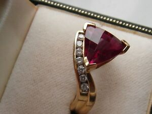 Q23 Very RARE 18ct gold solitaire large red amethyst and diamond ring