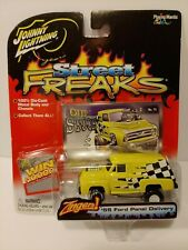 Johnny Lightning Street Freaks Zingers '55 Ford Panel Delivery White Lightning