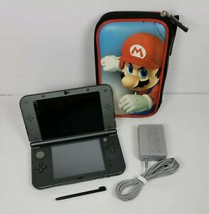 New Nintendo 3DS XL System Gray Console w/Charger & Case RED-001