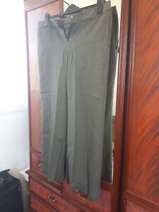 Peruna 14 Short Olive Linen Mix Trousers