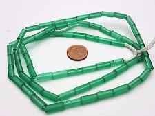 Strang verdes pentagonal barritas de lápiz cuentas de vidrio de Bohemia