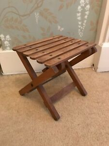Small wooden folding table / stool