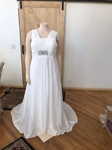 Plus size 18  Chiffon Beach Wedding Dress unbranded.