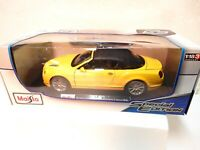 Maisto 1:18 Bentley Continental Supersports Convertible - Yellow/black -New w bx