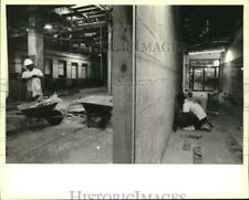 1994 Press Photo Workers renovated Louisiana State Capitol rooms in Baton Rouge