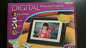 """SMARTPARTS 11"""" DIGITAL PICTURE FRAME W/REMOTE- Lightly used in Box"""
