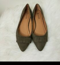 Womens flat shoes. Navy Green 8.5