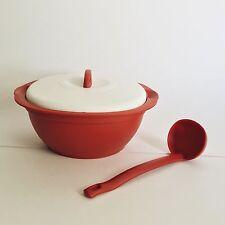 Tupperware Essentials Serving Dish With Ladle