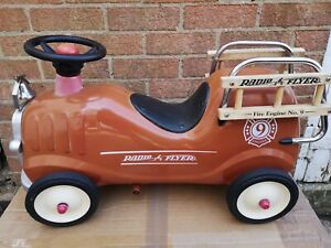 VINTAGE 1980'S RADIO FLYER No9 FIRE ENGINE RIDE ON/PUSH ALONG TRUCK