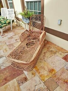 RARE VTG MCM Russell Woodard Spun Fiberglass Patio Lounge Chaise Chair Pink