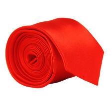 Rote Krawatten und Fliegen für Herren
