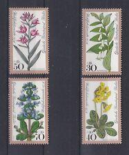 Postfrische Briefmarken aus Berlin (1970-1979) mit Blumen-Motiv