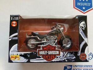 Harley-Davidson Motor Cycles-Maisto-1:18-1998 Series- FLSTF Fat Boy w black tank