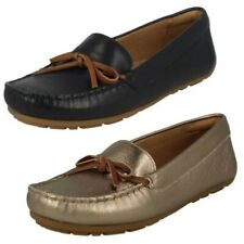 Ladies Clarks Moccasin Style Shoes Dameo Swing