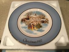 "Avon Vtg Collector Plate Christmas 1977 ""Carollers In The Snow� Enoch Wedgewood"