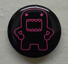 """Hip Holding Hot Pink Outline Domo kun 1.25"""" Button Pin ~ Officially Licensed"""