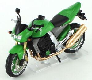 Kawasaki Z1000 2004 1:24