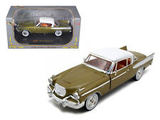 1957 Studebaker Golden Hawk 1:32 Diecast Model Car by Signature - 32399gld