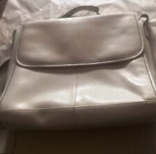 Wilsons Leather AUTHENTIC white leather messenger bag Size L