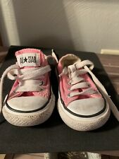 Converse Toddler Size 4 Chuck Taylor All Star Pink w/ White Laces Low Top Euc