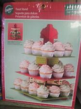 Wilton 3-Tier CUPCAKE Holiday TREAT STAND Holds 24 Cupcakes #1512-0882