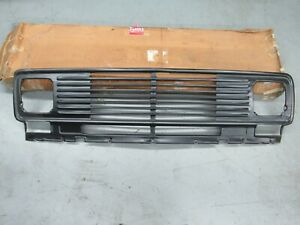 NOS 1971-77 Chevy Van G10 G20 G30 Standard Full Front Radiator Grille GM 338839