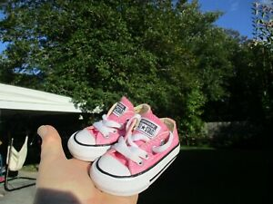 Converse All Star Pink Baby girl size 2C LOOK!!!!