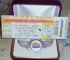 Foo Fighters Grunge Rock Shock Metal Band Wing Concert Hat Jacket Badge Pin Mtv