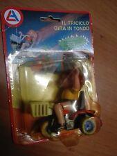 Giocattolo edicola anni 80 bambino con triciclo gira e si muove con scatola
