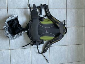 Black Wolf Backpack Green/Black 40L Used but not worn out
