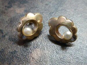 VINTAGE 9CT GOLD PEARL STUD EARRINGS IDEAL GIFT HALLMARKED