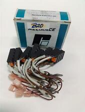 RELIANCE ELECTRIC CARBON MOTOR BRUSH LOT OF 7  RE690-A NIB *PZB*