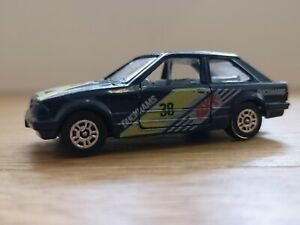Corgi Ford Escort MK3 Duckhams Edition Number 38, Opening Doors Toy Car, Vintage