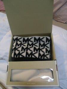 Michael Kors Boot Socks Vanilla Cream - Black Logo Creme Woven s/m