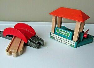Thomas & Friends Train Station Crosby and Bridge Wood Plastic