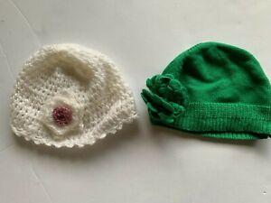 2 x Baby beanies - green, white - size 1