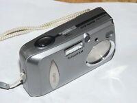 Fujifilm FinePix A Series A203 2.0 MP - Digital Camara - Plateado