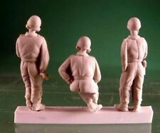 Milicast FIG017 1/76 Resin WWII British AFV Crew in Pixie Suits