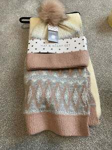 Womens Hat Scarf brand new very cosy winter set so soft cream pink