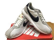 New Mens Nike Roshe Trainers Size 9  White Grey