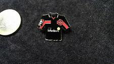 SGE Eintracht Frankfurt Trikot Pin 1999/2000 Home VIAG Interkom schwarz Adler