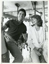 MARK SHERA JULIANNE PHILLIPS SMILING ON CAROUSEL HIS MISTRESS 1984 NBC TV PHOTO