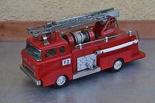 altes Blech Feuerwehrauto