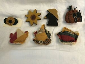 Prim Fall Decor/ crow, leaves, pumpkin, sunflower, fabric, wooden, vintage quilt
