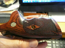 SMITH & WESSON N FRAME GRIPS SQUARE BUTT WITH S&W MEDALLIONS ROSEWOOD CHECKERED