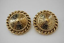 LARGE BOLD 1980'S RUNWAY COUTURE GOLD TONED METAL ETRUSCAN STYLE CLIP EARRINGS