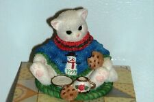 Enesco Calico Kittens – A Dash of Love Makes You Sweeter 1997 – Christmas
