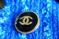 100% Authentic Chanel Button 1 pieces pearl & crystals💋💋💋💋💋💋💋💋
